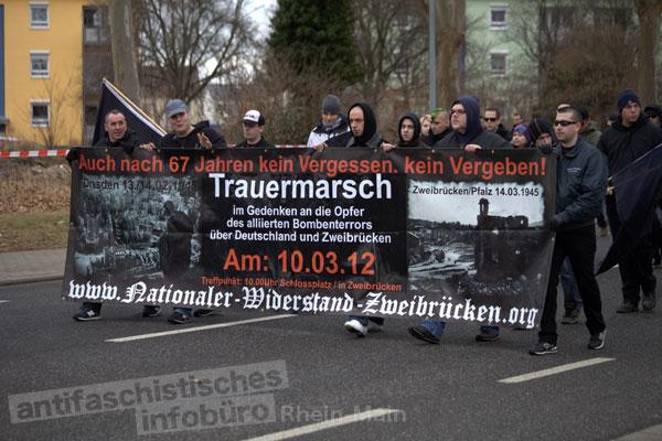 Neonazis aus Zweibrücken am 18.02.2012 in Worms