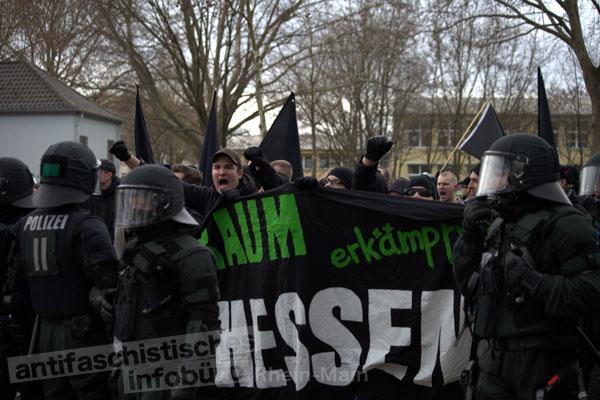 Hessische Neonazis am 18.02.2012 in Worms
