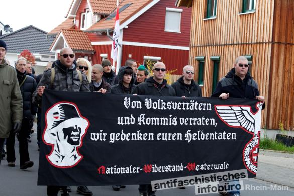 Hauptsache es reimt sich. Neonazis aus dem Westerwald beim Aufmarsch am 23.11.2013 in Remagen.